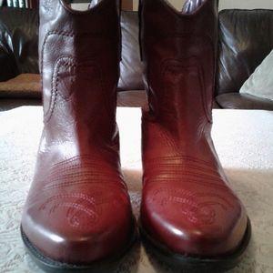 🌺 Nearly New Franco Sarto Waco Western Booties